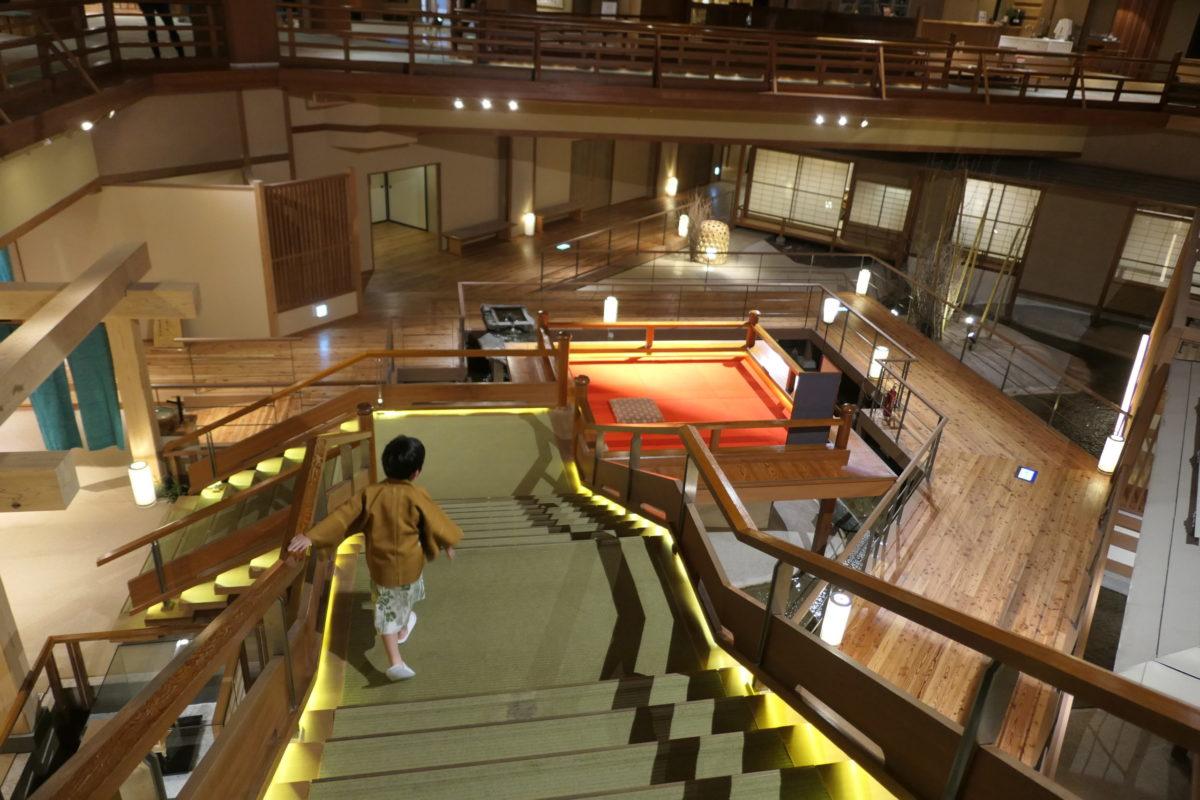 福島県の大川荘という三ツ星ホテルに泊まった感想、口コミをまとめています。